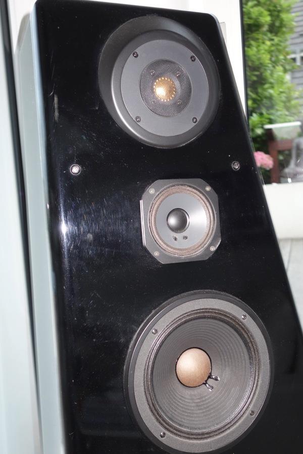 jbl 250 ti image 860543 audiofanzine. Black Bedroom Furniture Sets. Home Design Ideas