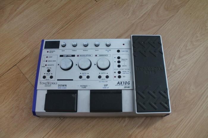 Korg Ax10g (8245)