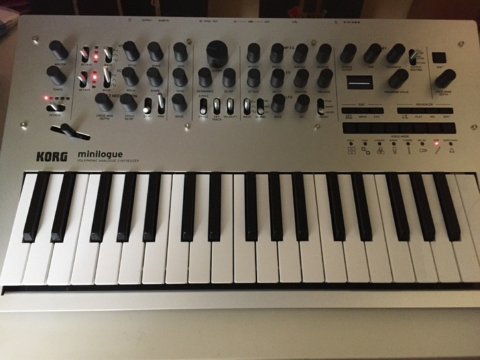 Korg Minilogue Justice185 images