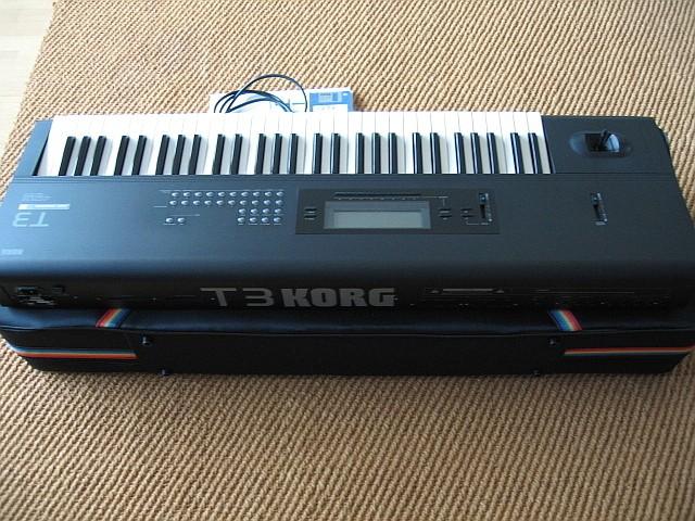 Korg T3 (615)
