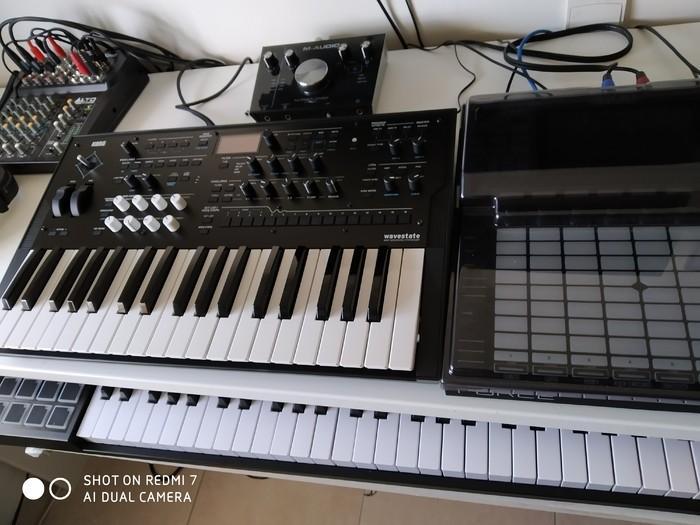 https://medias.audiofanzine.com/images/thumbs3/korg-wavestate-2927804.jpg