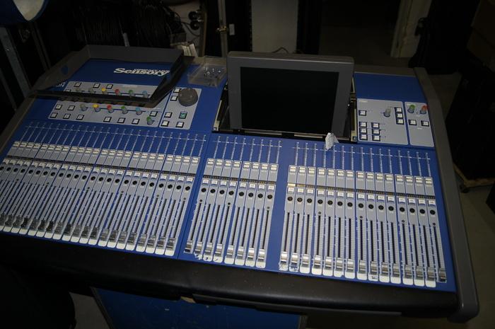 https://medias.audiofanzine.com/images/thumbs3/les-mains-dans-le-cambouis-1078746.jpg