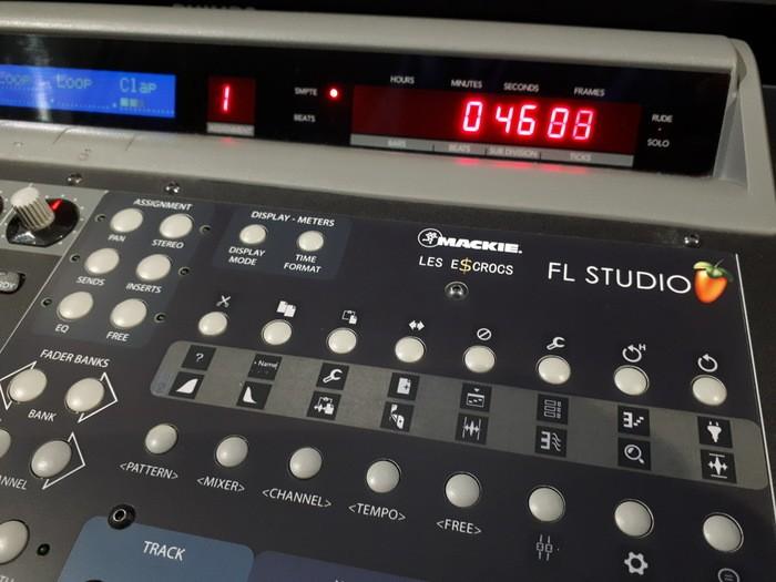 https://medias.audiofanzine.com/images/thumbs3/mackie-control-universal-2989293.jpg