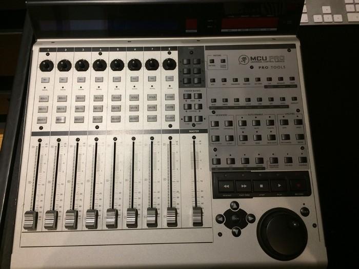 Mackie Control Universal Pro (39533)
