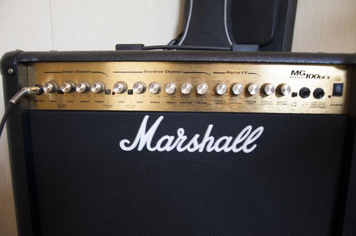 marshall mg100dfx image 1561059 audiofanzine. Black Bedroom Furniture Sets. Home Design Ideas