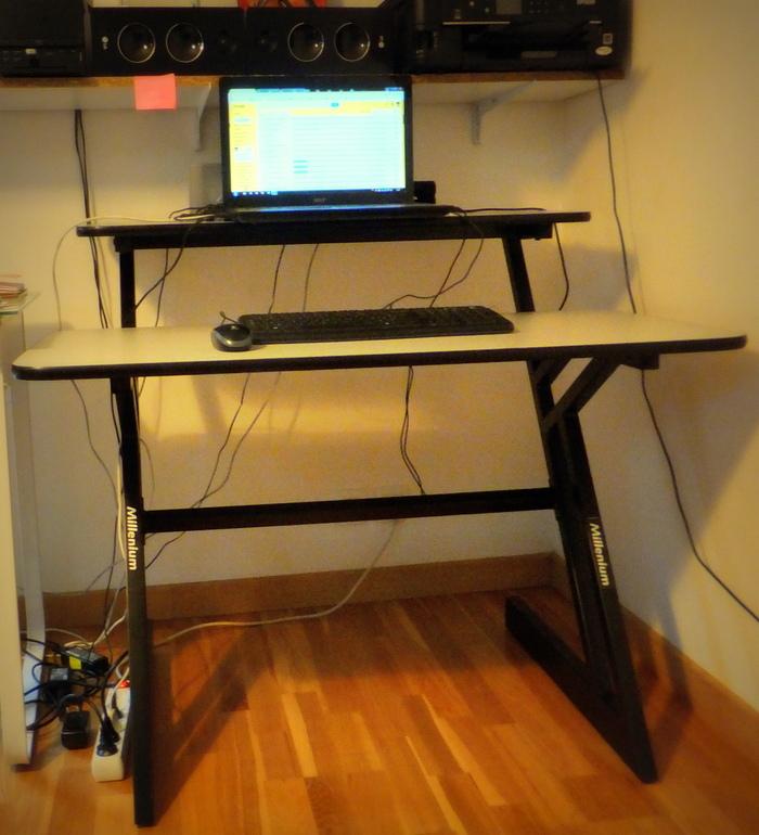 millenium bureau millenium pour studio image 1650529 audiofanzine. Black Bedroom Furniture Sets. Home Design Ideas