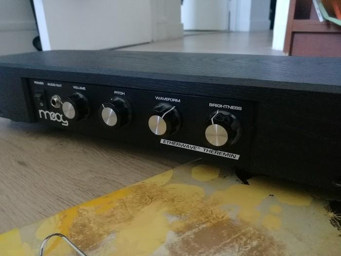 Moog Music Etherwave Theremin Standard (99397)