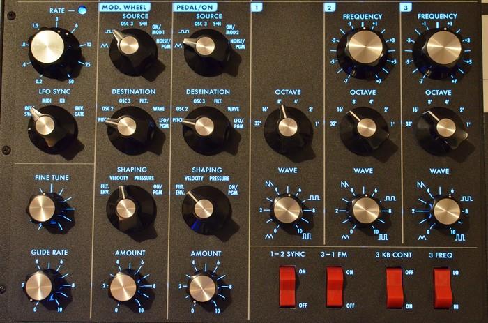Moog Music Minimoog Voyager Electric Blue (12846)