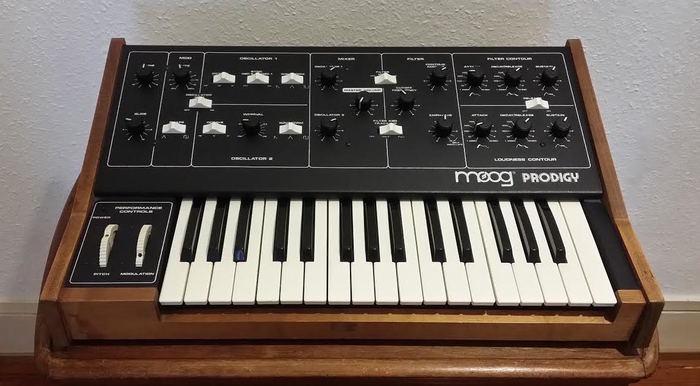 Moog Music Prodigy (51703)