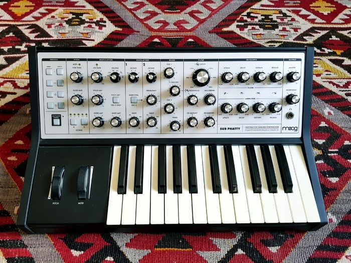 Moog Music Sub Phatty (26982)