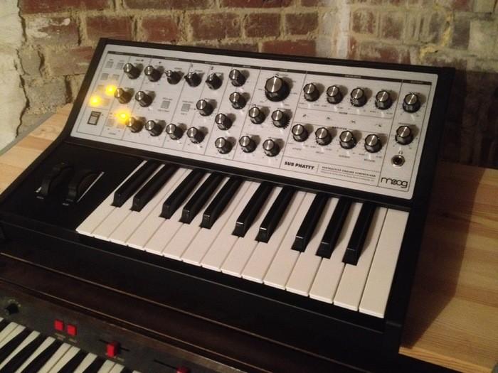Moog Music Sub Phatty (76507)