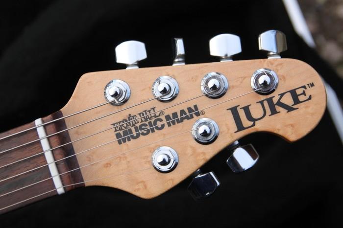 Music Man Luke (Vintage Tremolo) (41360)