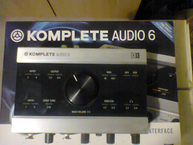 native instruments komplete audio 6 image 2074053 audiofanzine. Black Bedroom Furniture Sets. Home Design Ideas