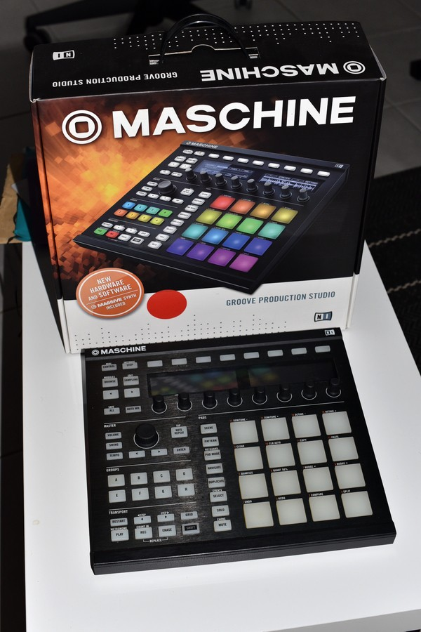Native Instruments Maschine MKII (36330)
