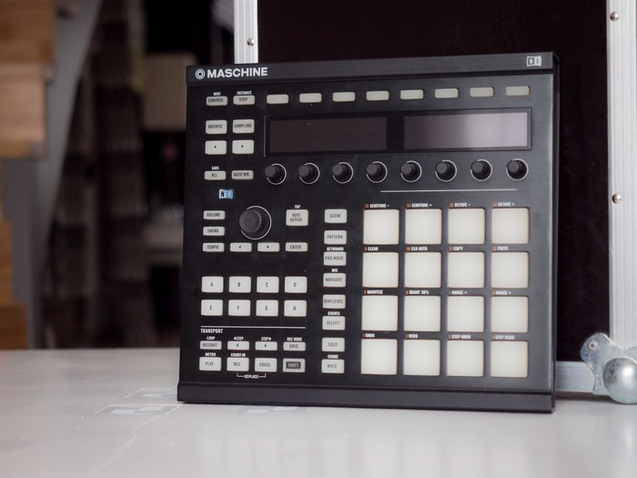 Native Instruments Maschine MKII (87779)