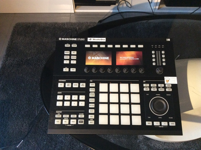 Native Instruments Maschine Studio Juliano35 images