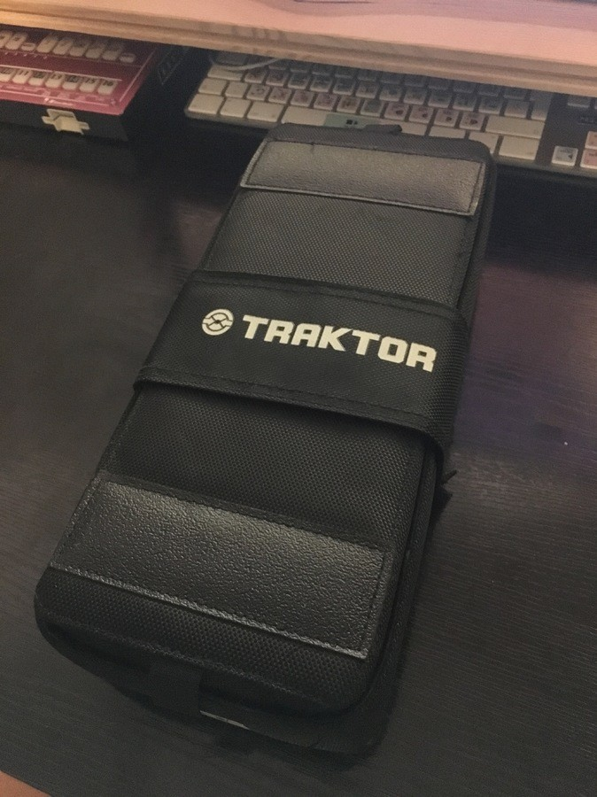 Native Instruments Traktor Kontrol F1 (90475)