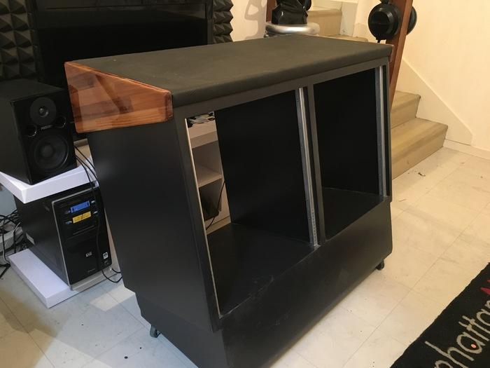 Photo no name meuble rack bureau studio img 3855 jpg for Meuble bureau home studio