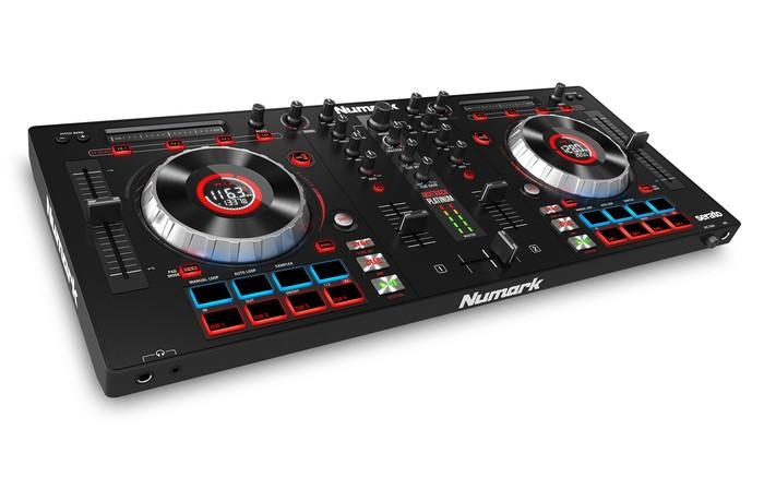 Numark Mixtrack Platinum (7698)