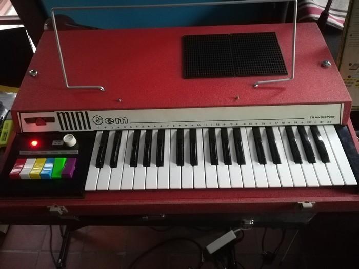 https://medias.audiofanzine.com/images/thumbs3/orgues-3167488.jpg