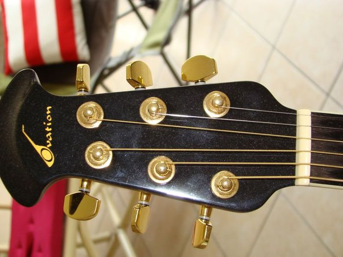 Ovation CC44S Celebrity Deluxe Acoustic-Electric Guitar ...