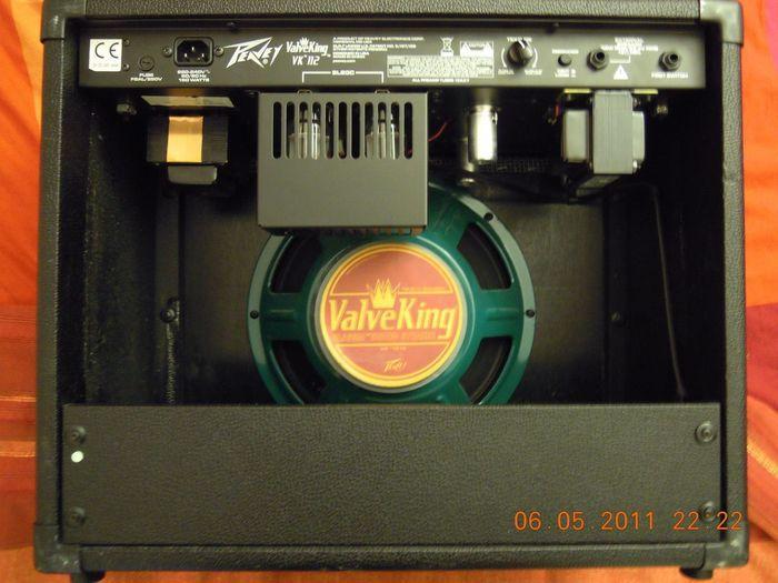 Peavey ValveKing 412 Angled Guitar Cab | zZounds