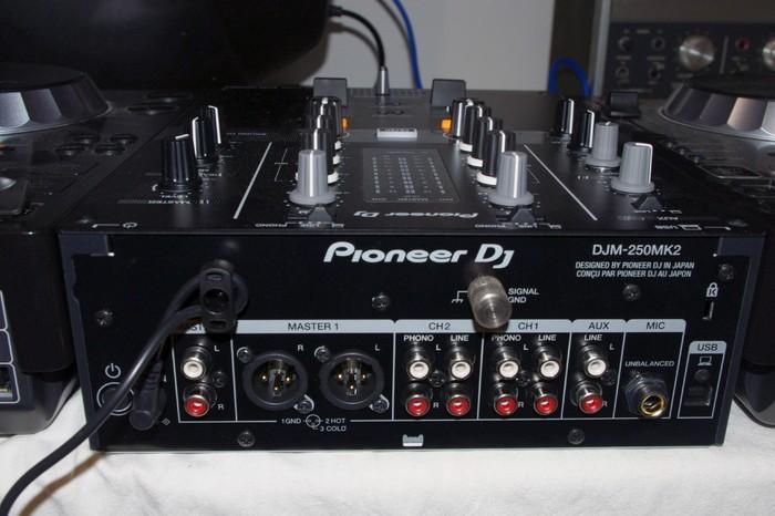 Pioneer DJM-250MK2 (56322)