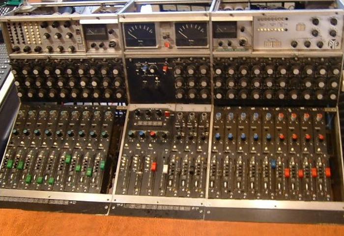 PYE 12 Channel Mixer