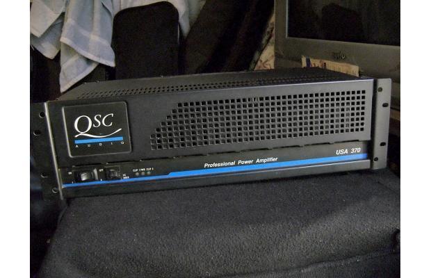 qsc usa 370 image 757922 audiofanzine rh en audiofanzine com QSC Logo QSC Logo