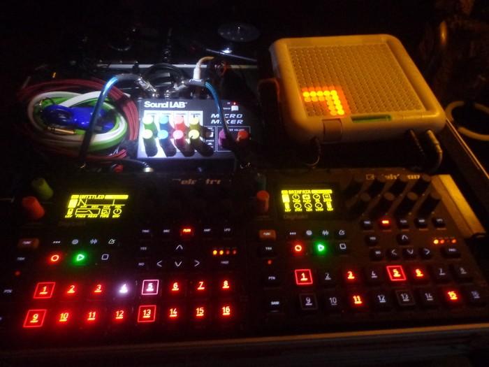 Roland D-05 (78363)