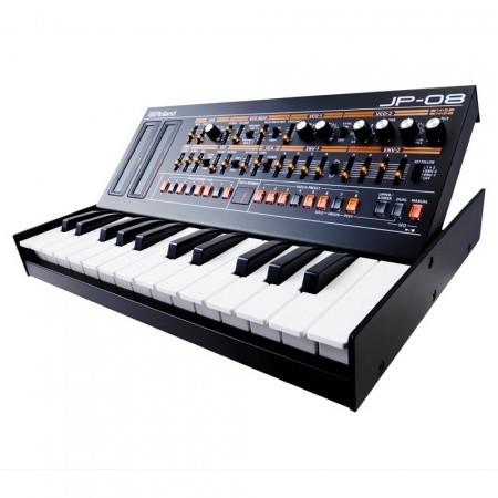 1443615963Roland JP 08 Boutique synthesizermodule met K 25m klavier 1