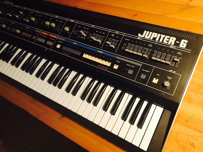 Roland Jupiter-6 (61846)