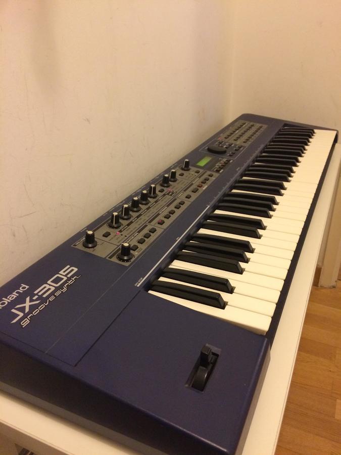 Roland JX-305 (37051)