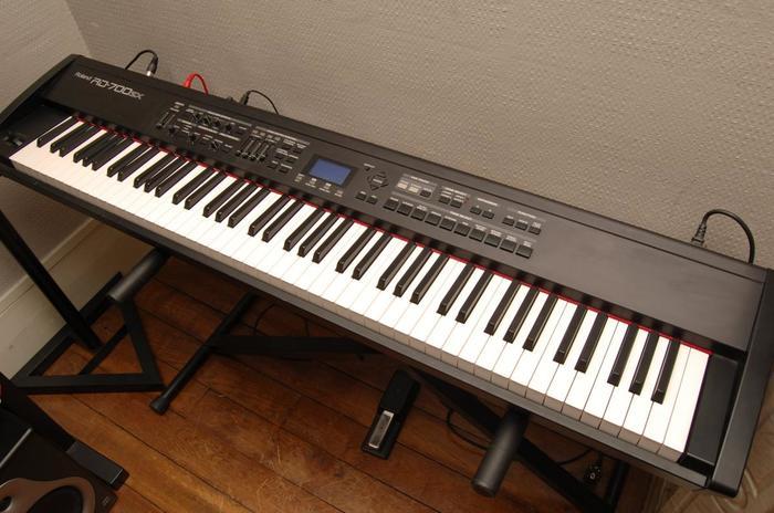 Roland RD-700SX (74388)