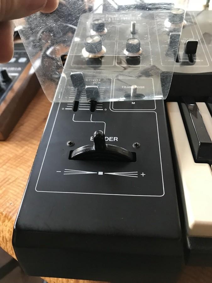 Roland SH-1 (80083)