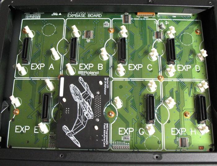 https://medias.audiofanzine.com/images/thumbs3/roland-sr-jv80-04-vintage-synthesizer-3088626.jpg