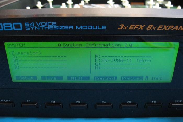 https://medias.audiofanzine.com/images/thumbs3/roland-sr-jv80-04-vintage-synthesizer-3088627.jpg