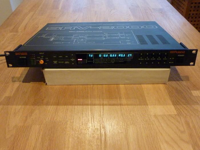 Roland SRV-2000 (5688)