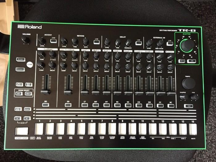 Roland TR-8 (28531)