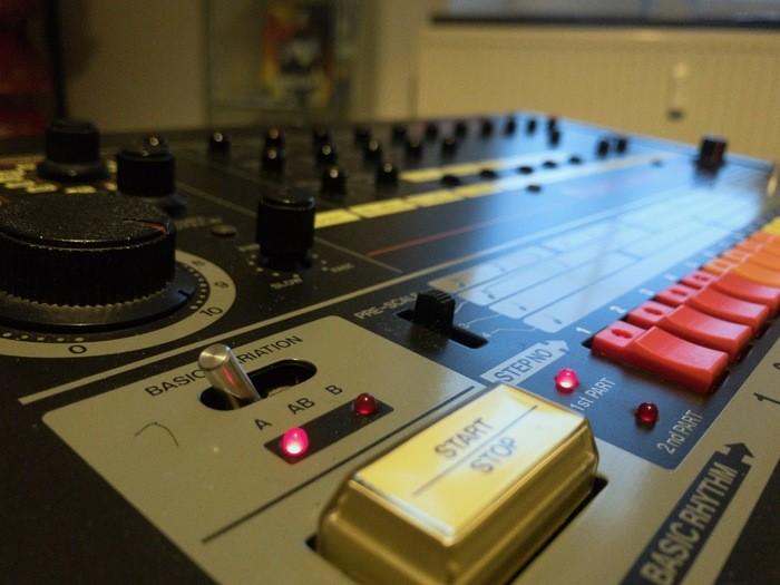 Roland TR-808 (33515)