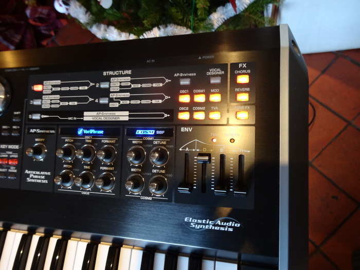 Roland V-Synth GT coyote14 images