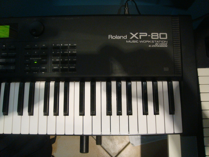Roland XP-80 titovalo images