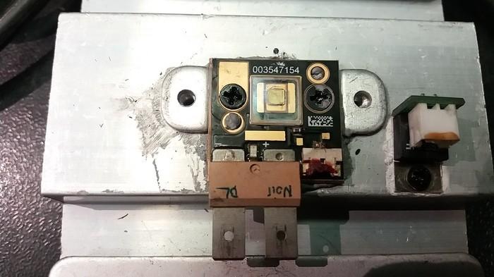 https://medias.audiofanzine.com/images/thumbs3/showtec-phantom-75-led-beam-2499761.jpg