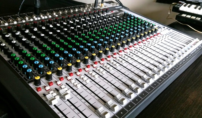 Soundcraft Signature 22 MTK (84160)