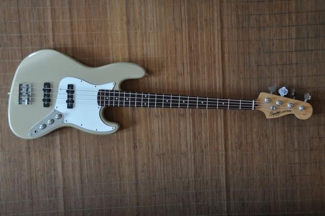 Squier Standard Jazz Bass Squier Standard Jazz Bass