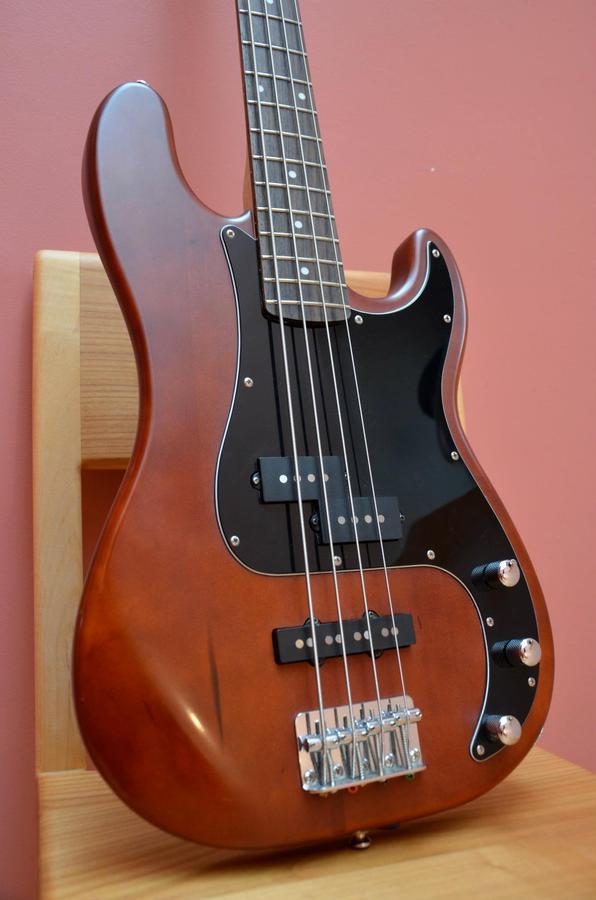 Squier Standard Precision Bass Special - Antique Burst Rosewood Image   422045
