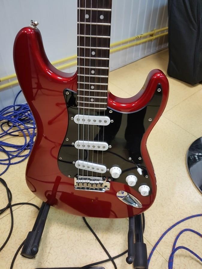 Squier Standard Stratocaster (47208)