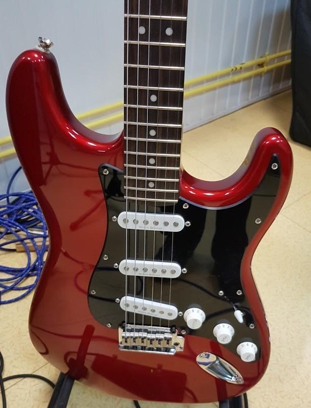 Squier Standard Stratocaster (63358)