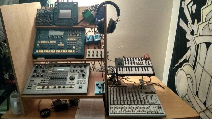 https://medias.audiofanzine.com/images/thumbs3/studio-home-studio-2212501.jpg