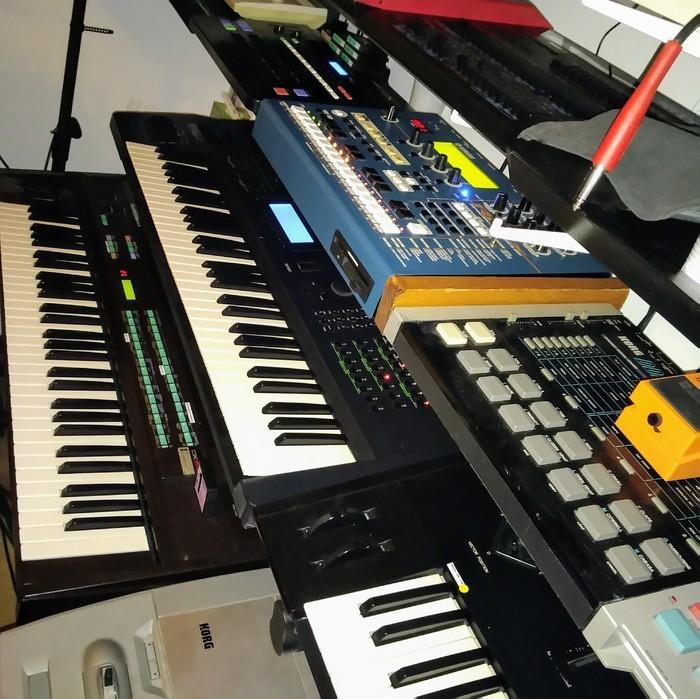 https://medias.audiofanzine.com/images/thumbs3/studio-home-studio-2781779.jpg